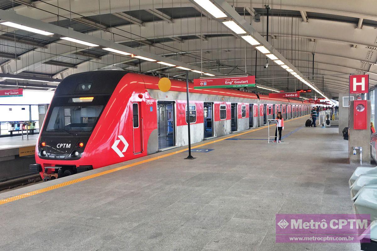 Metro Bratislava Subway In Bratislava Train Pictures Train Transportation