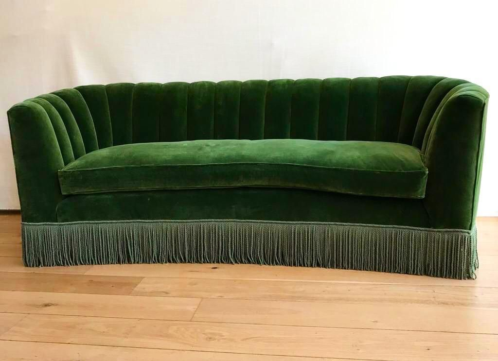 Inspired by the populace of the Deco period, this Sofa has been hand crafted in our workshop using traditional materials and methods - beachwood frame, coiled springs, natural hair etc, Choose from a range of sumptuous velvets and made to your Dimensions.  #livingroomdecor #livingroomstyle #livingroominspo #homedeco #homedecor #interiores #interiorstylist #interiorstyling #interiordecoration #interiorstyle #luxury #homedecoration #decoracaobh #decoration #upholstery #bespokesofa #homeinspo