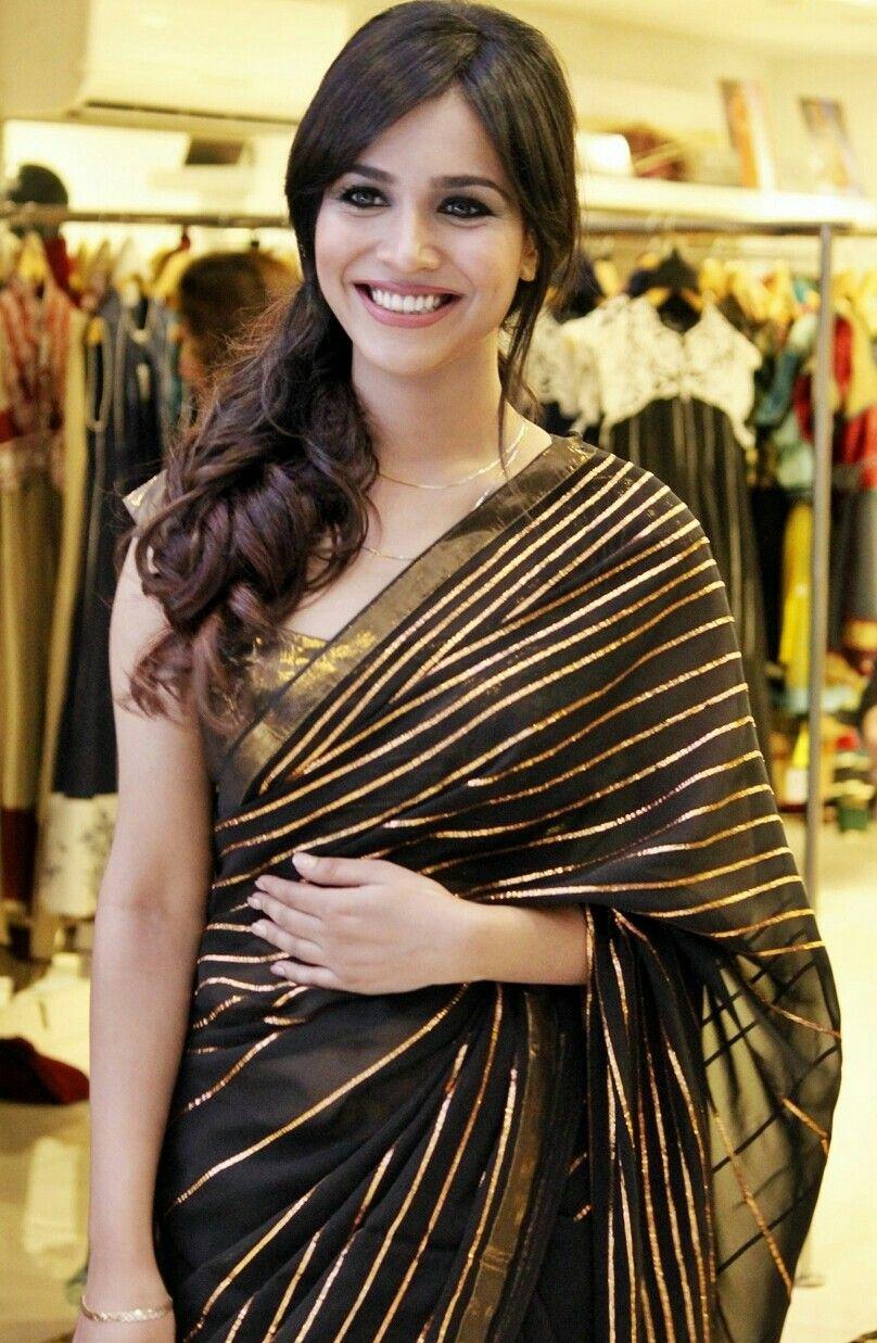 Idea by Parita Suchdev on Things to Wear(Sarees) Sari