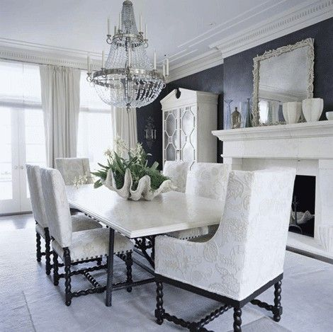 Fabulous black & white dining room. Elegance at its best.