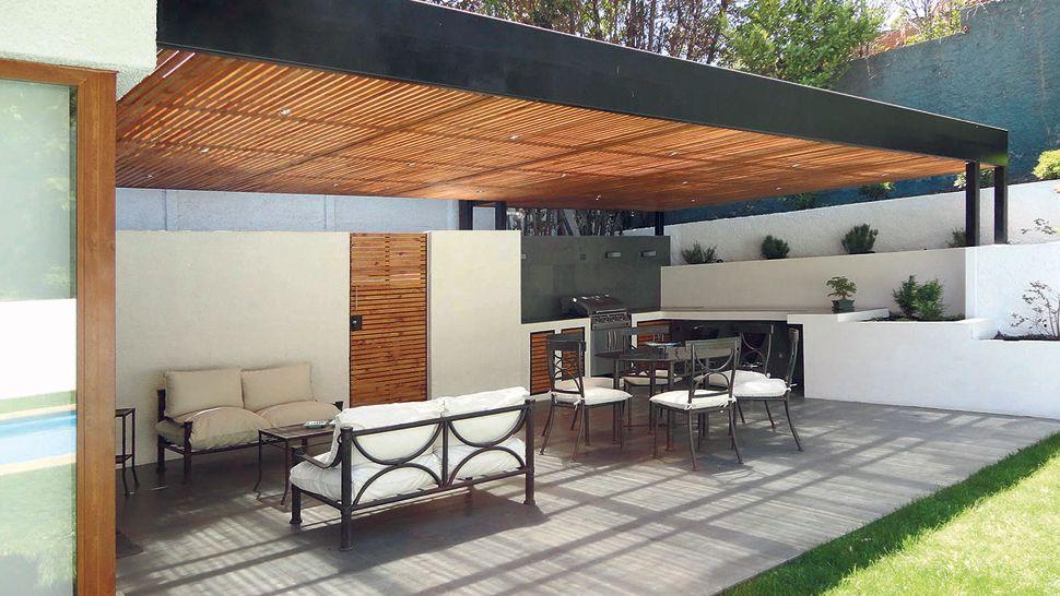 Quinchos refugios del tiempo libre pergolas patios and for Techos modernos para patios