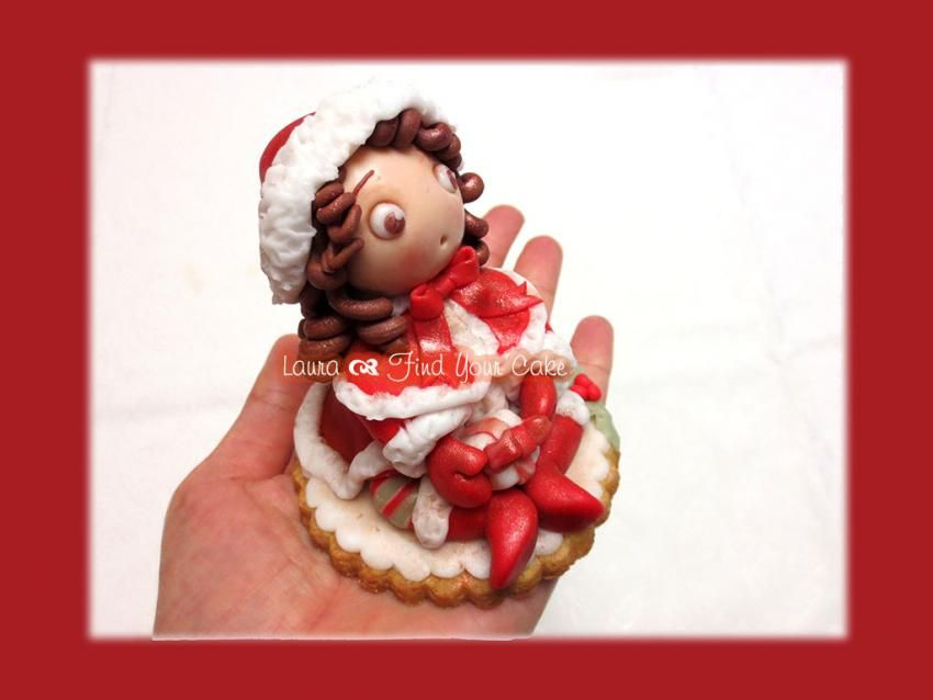Christmas placeholders with mini doll | Find Your Cake