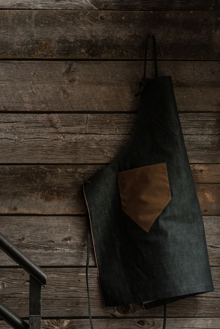 Crown Nine Apron in Collaboration with GDS Cloth Goods