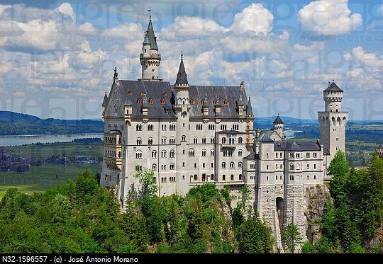 Neuschwanstein Castle Schloss Neuschwanstein Allgau Fussen Allgaeu Fuessen Romantic Road Neuschwanstein Castle Germany Castles Sleeping Beauty Castle