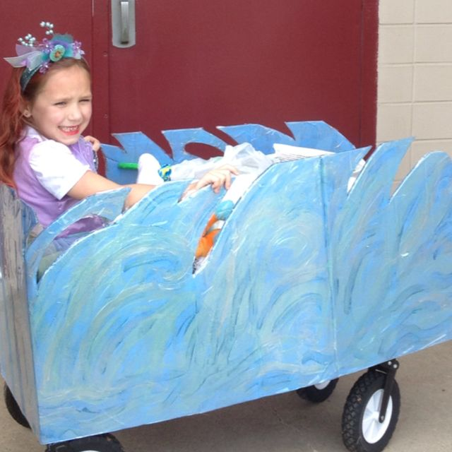 Wagon parade float for mardi gras st philip neri school for Princess float ideas
