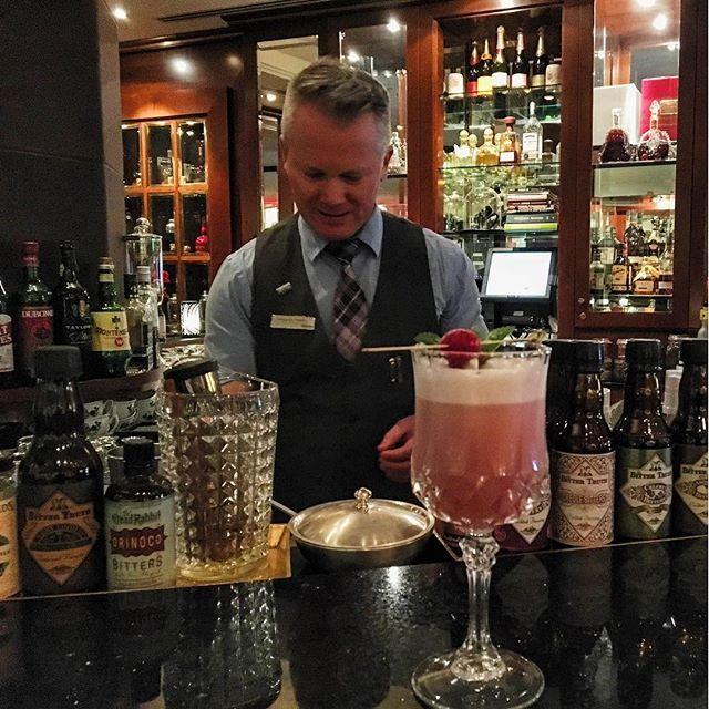 Friyayayayay Meet us at the #DucktailsBar and enjoy delicious - bar manager