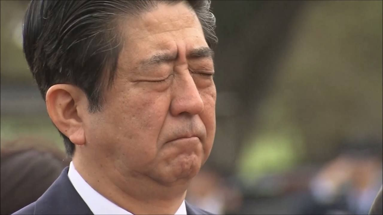 Japan's Prime Minister Shinzo Abe pays his respects at a US military cemetery in Honolulu, a day before his visit to Pearl Harbour with President Obama. For the full story: http://bit.ly/2ibAzg8  (Video: AP)