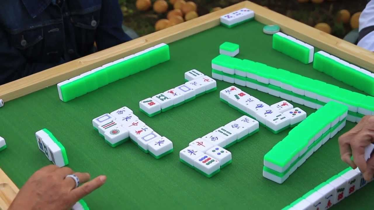How To Play Mahjong Popular Family Board Games Mahjong Family Board Games,Pet Snakes For Kids