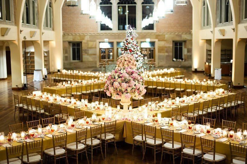 5 ways to shake things up using your recpetion tables for Wedding reception layout