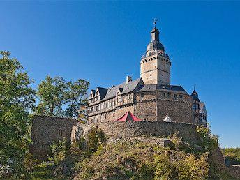 Falkenstein Arrangement Van Der Valk Parkhotel Schloss Meisdorf Meisdorf Burg Falkenstein Burgen Und Schlosser Burg