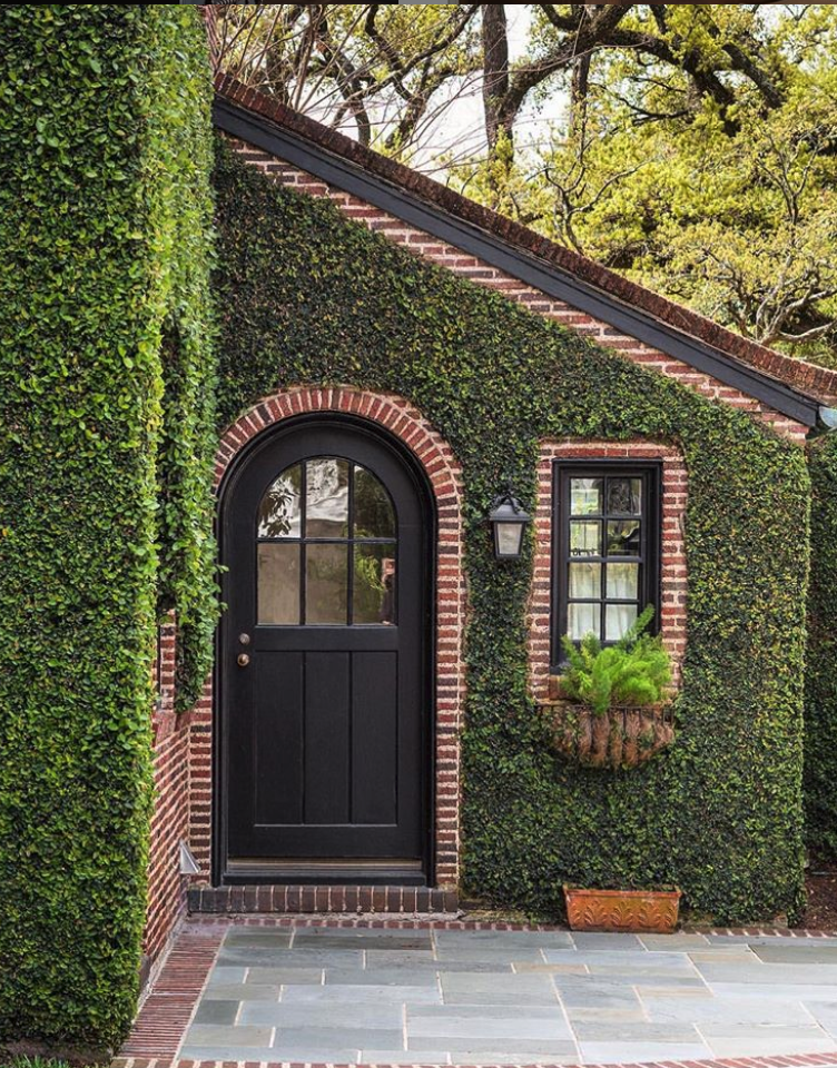 Pros And Cons Of Painting Your Brick House House Exterior