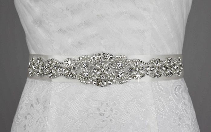 ¿Buscando cinturón para tu vestido de #novia? Checa todos los hermosos modelos que tenemos entrando a: http://bodaydecoracion.com/productos/#!/Aplic-Cinturón/c/10352236/offset=0&sort=normal #cinturóndenovia #boda #todatubodaenunsólolugar bodaydecoracion.com +1,200 productos padrísimos