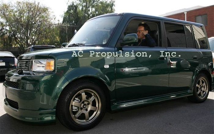 Tom Hanks Owns A Scion Xb The Cars Celebrities Drive Pinterest