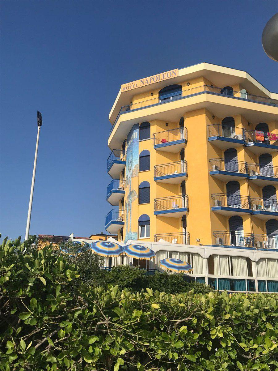 Tutte Le Camere Dell Hotel Napoleon Offrono Un Suggestivo