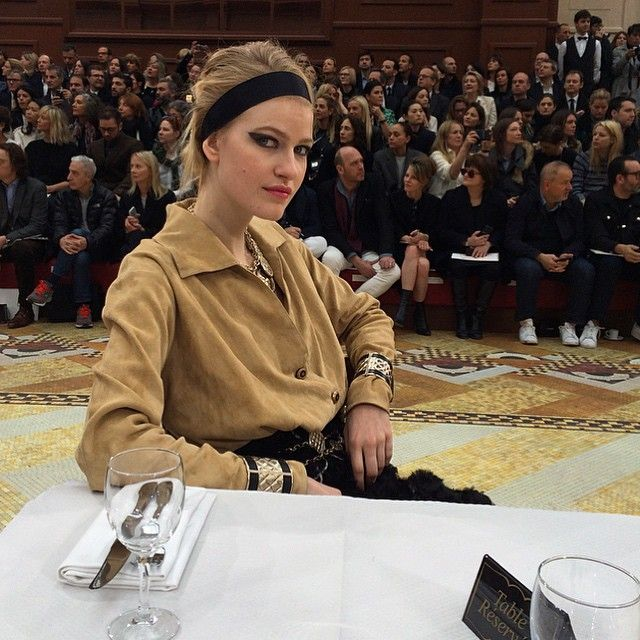 Chanel's Messy Chignons and Black Ribbon Bands: Fueling Our Updo Obsession in Paris – Vogue
