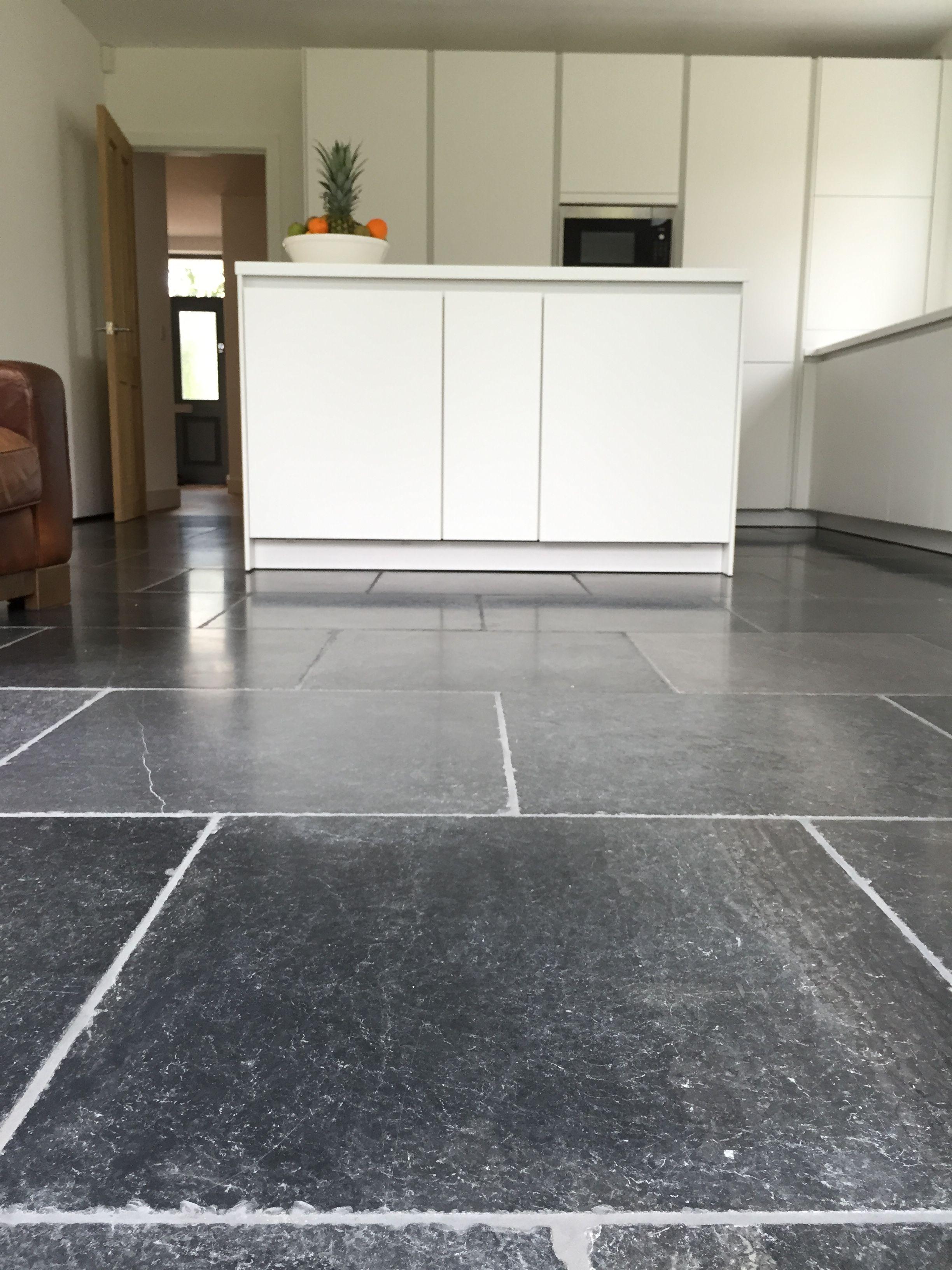 Aged Blue Stone Antiqued Flooring Stone Kitchen Floor