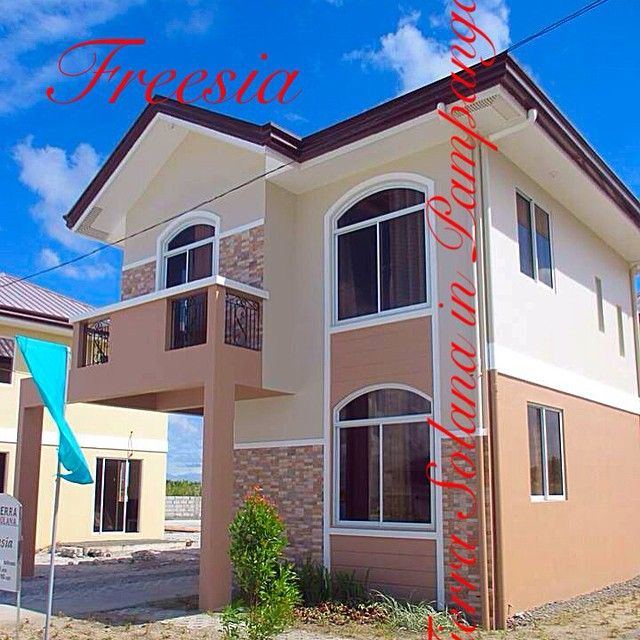 Freesia House Model @ La Tierra Solana in Pampanga. #Freesia #Houseandlot #Pampanga #Realestate #Bacolor For more information and other details you can visit us www.facebook.com/latierrasolanainpampanga or you can email us xaisha24@yahoo.com.ph