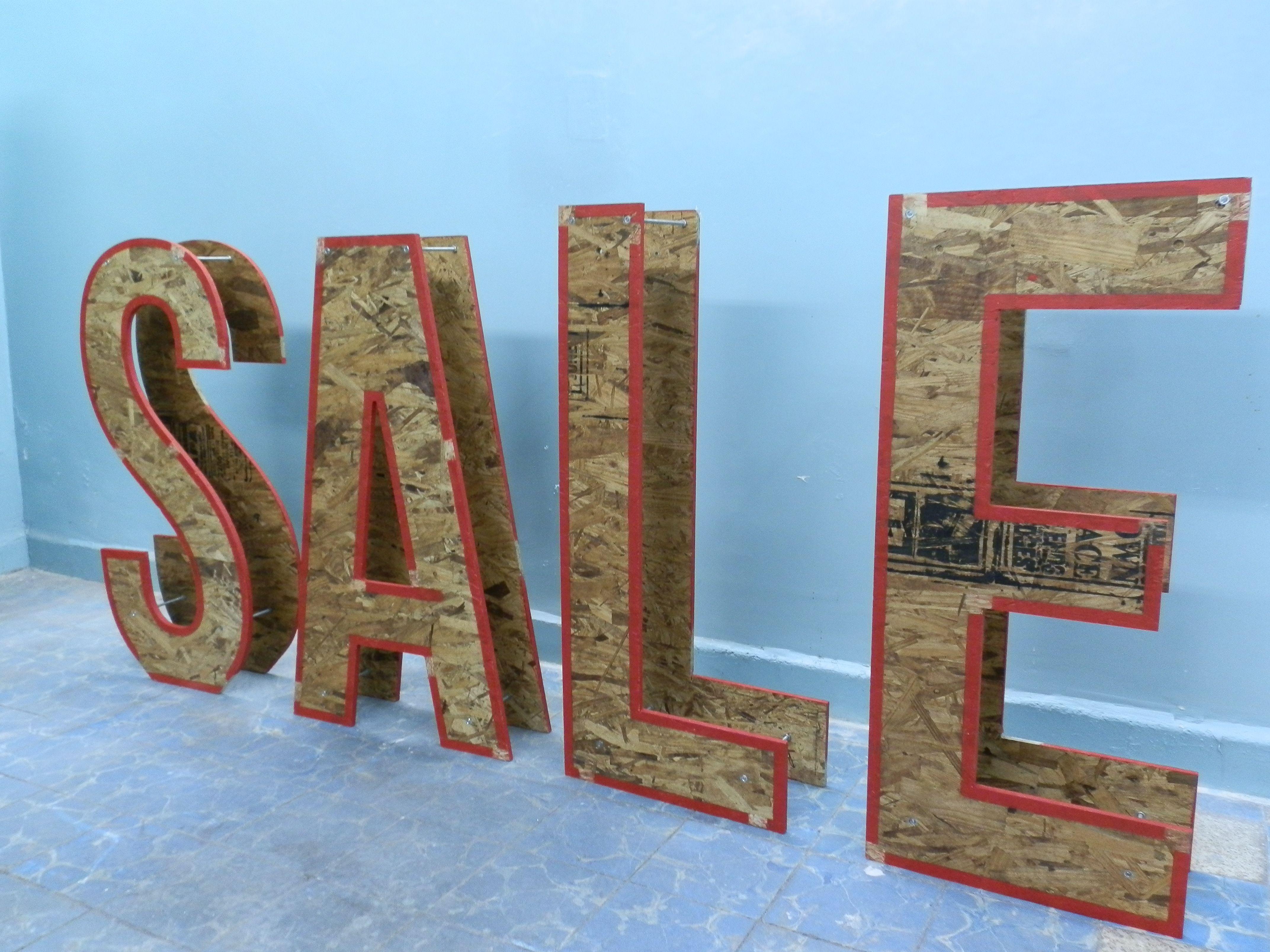 Letras de madera reciclada sale decoraci n diferentes for Diseno de muebles con madera reciclada
