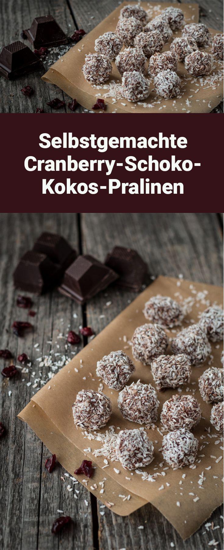 Selbstgemachte Cranberry-Schoko-Kokos-Pralinen (vegan)