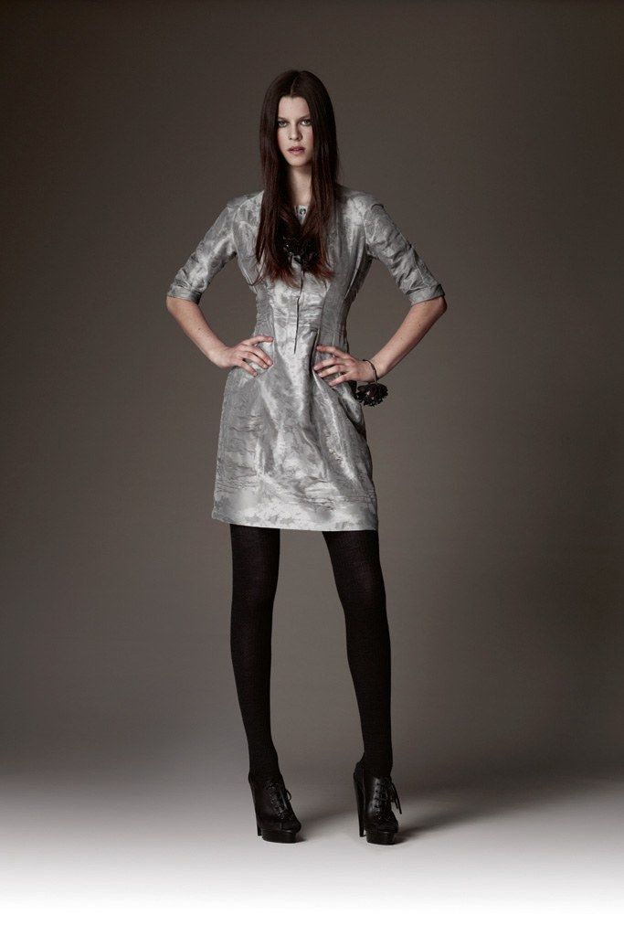 Burberry Pre-Fall 2009 Fashion Show - Eden Clark