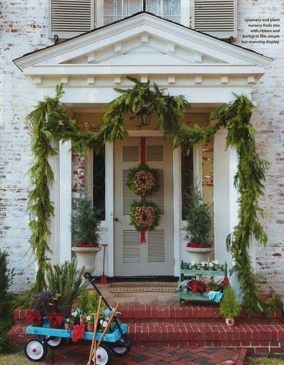 56 Stunning Christmas Front Door Décor Ideas - 20