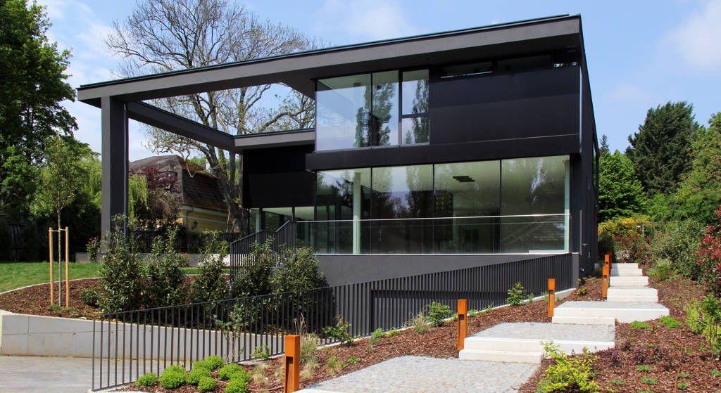 Black box minimalistische häuser von architekt zoran