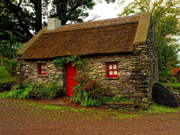 irish stone cottage rustic home decor pinterest stone cottages stone and ireland. Black Bedroom Furniture Sets. Home Design Ideas