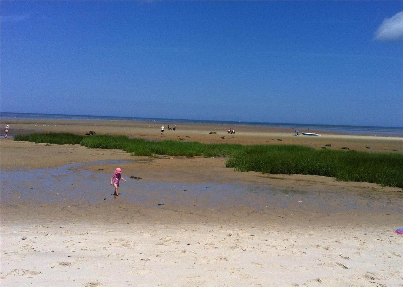 Exploring The Flats Of Breakwater Beach Brewster Cape