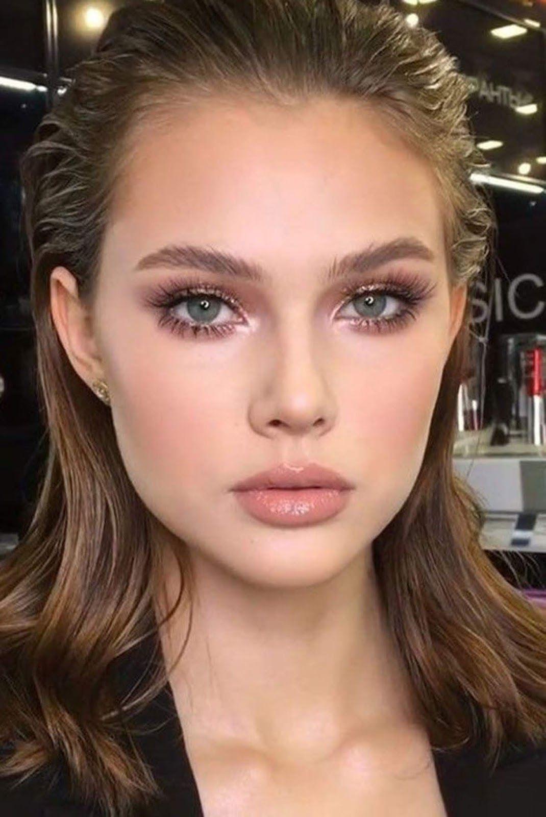 chic and elegant makeup idea to copy Natural makeup