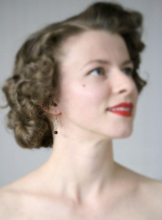 Tiny Black Drop Earrings by ChatterBlossom #black #vintage #earrings #jewelry