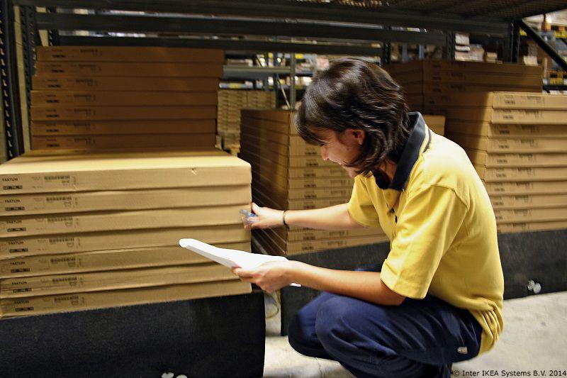 Nasi Su Proizvodi Pakirani U Prakticne Plosnate Pakete S Pomocu Uputa Za Sastavljanje Lako Ces Sastaviti Svoj Novi Namjestaj I Ustedjeti Novac A Ako Zeli Ikea