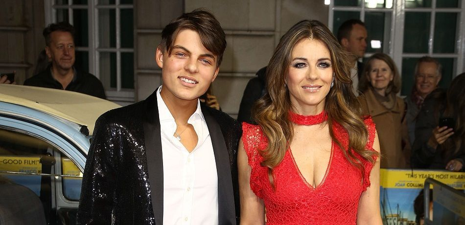 Elizabeth Hurley S Son Surges In Online Searches Damian Hurley Has One Proud Mummy Elizabeth Hurley Damian Hurley Poses