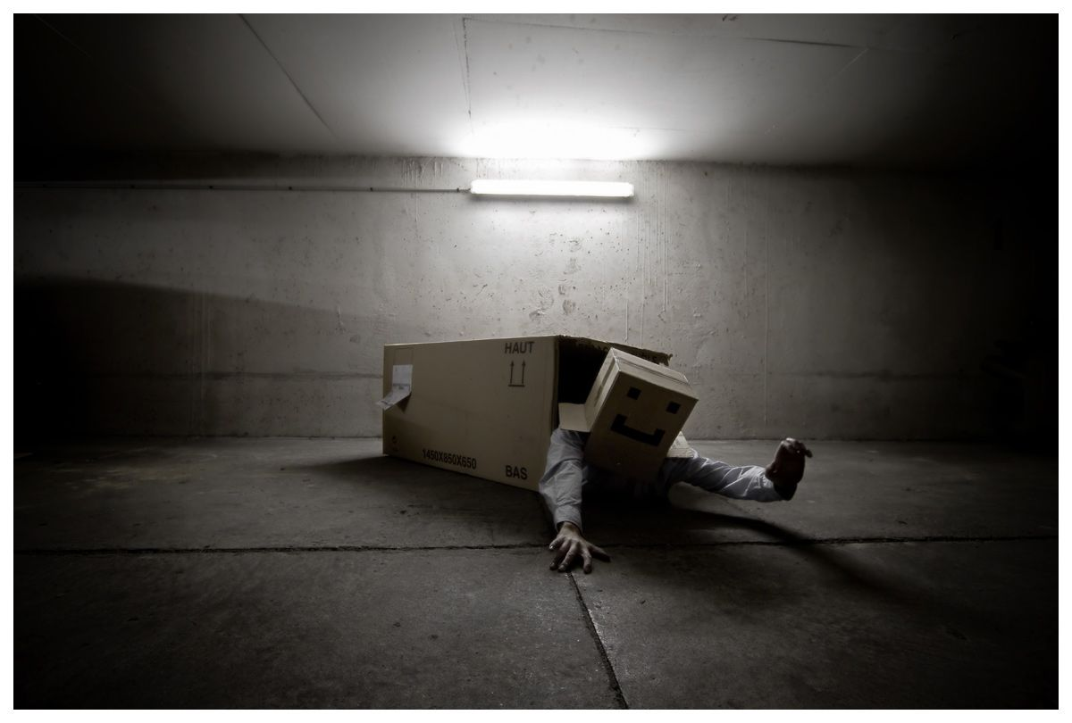Cardboard box Head, photographer