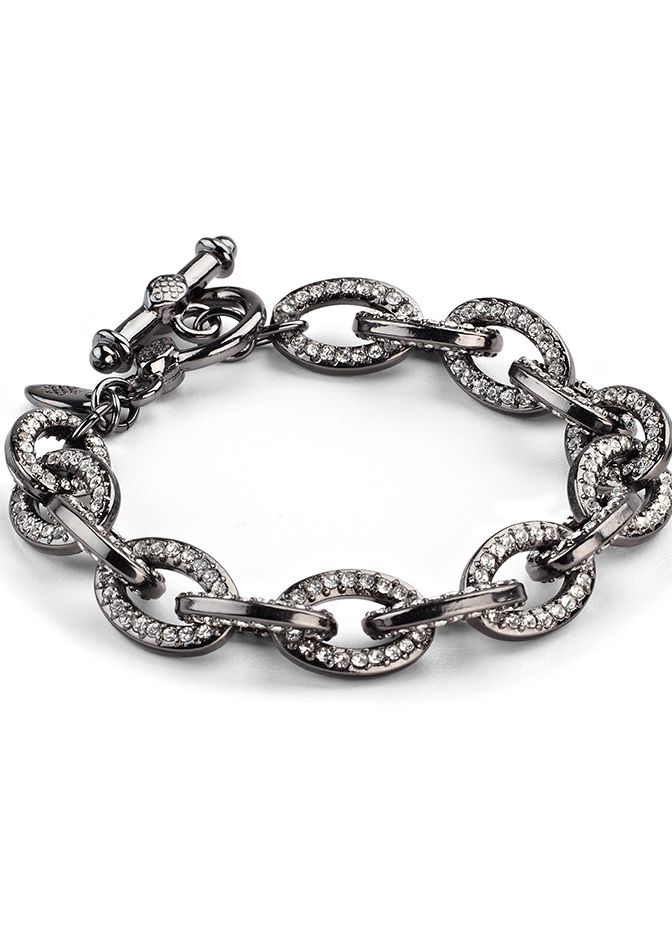 Great Bracelet for the average to small wrist a Favorite