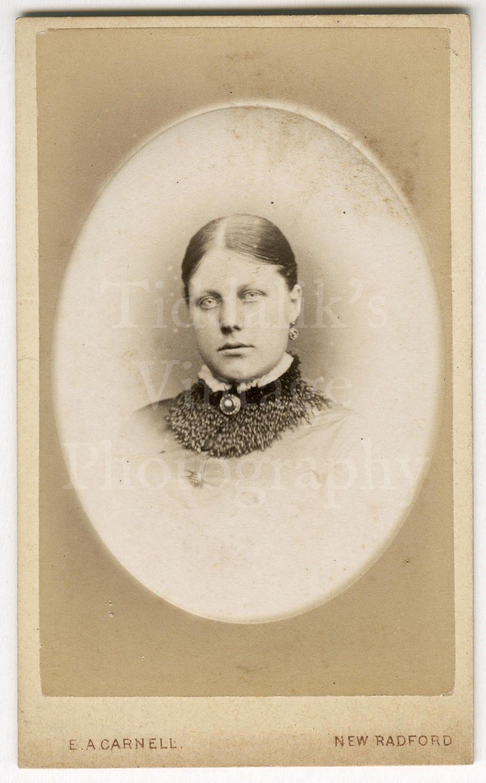 CDV Carte De Visite Photo Victorian Young Pretty Woman Vignette Portrait By E A Carnell Of New Radford England