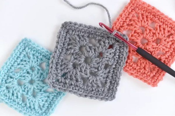 18 Easy Crochet Granny Square Patterns • Simply Collectible Crochet