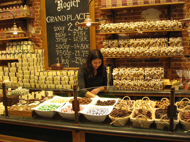 bombones belgas a granel | VITRINAS DE CHOCOLATE | Pinterest ...