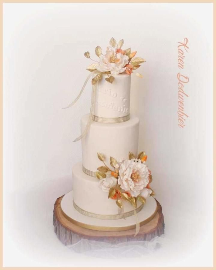 Wedding Cake 101 An Introduction To Wedding Cakes: White And Gold Wedding Cake By Karen Dodenbier