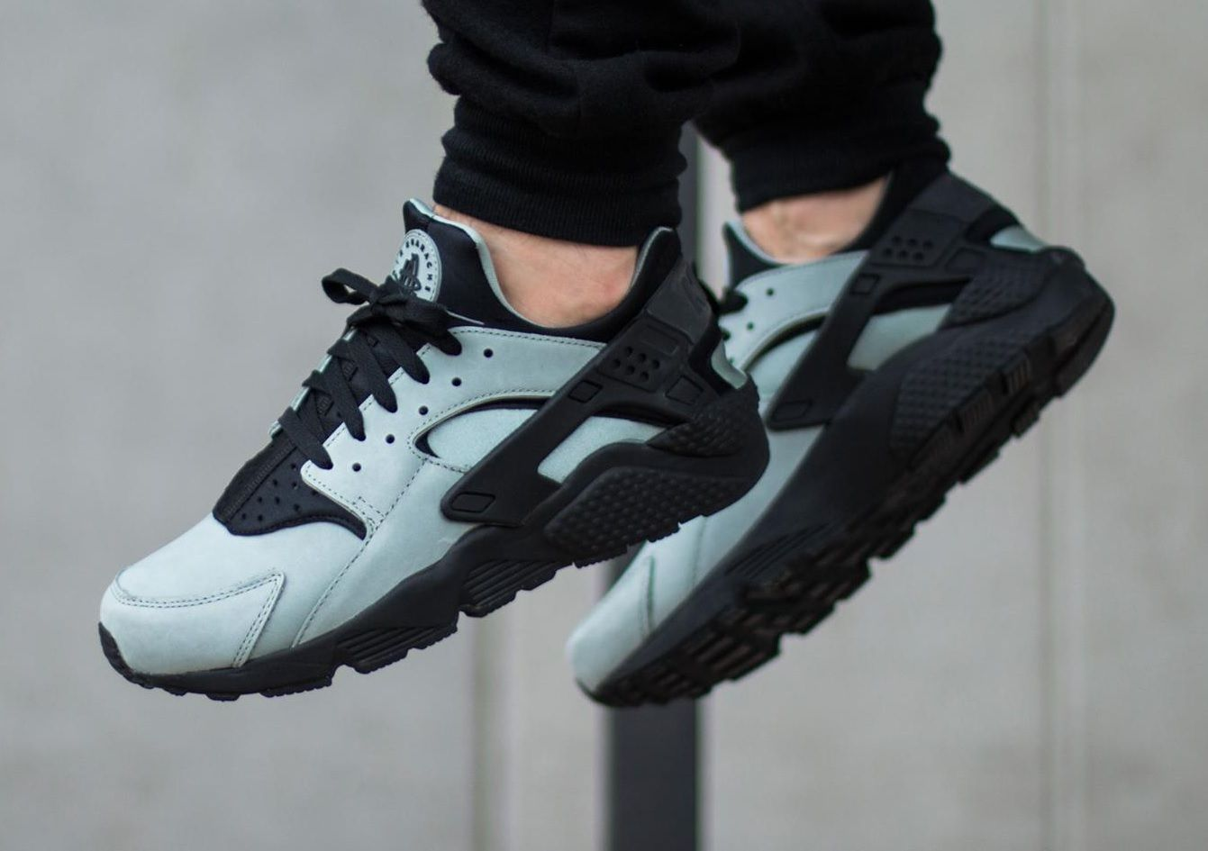 ec0e9a4e3108 Nike Air Huarache Run PRM  Mica Green Black