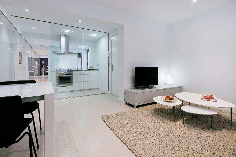 Chiralt arquitectos i salón comedor cocina en vivienda moderna con ...