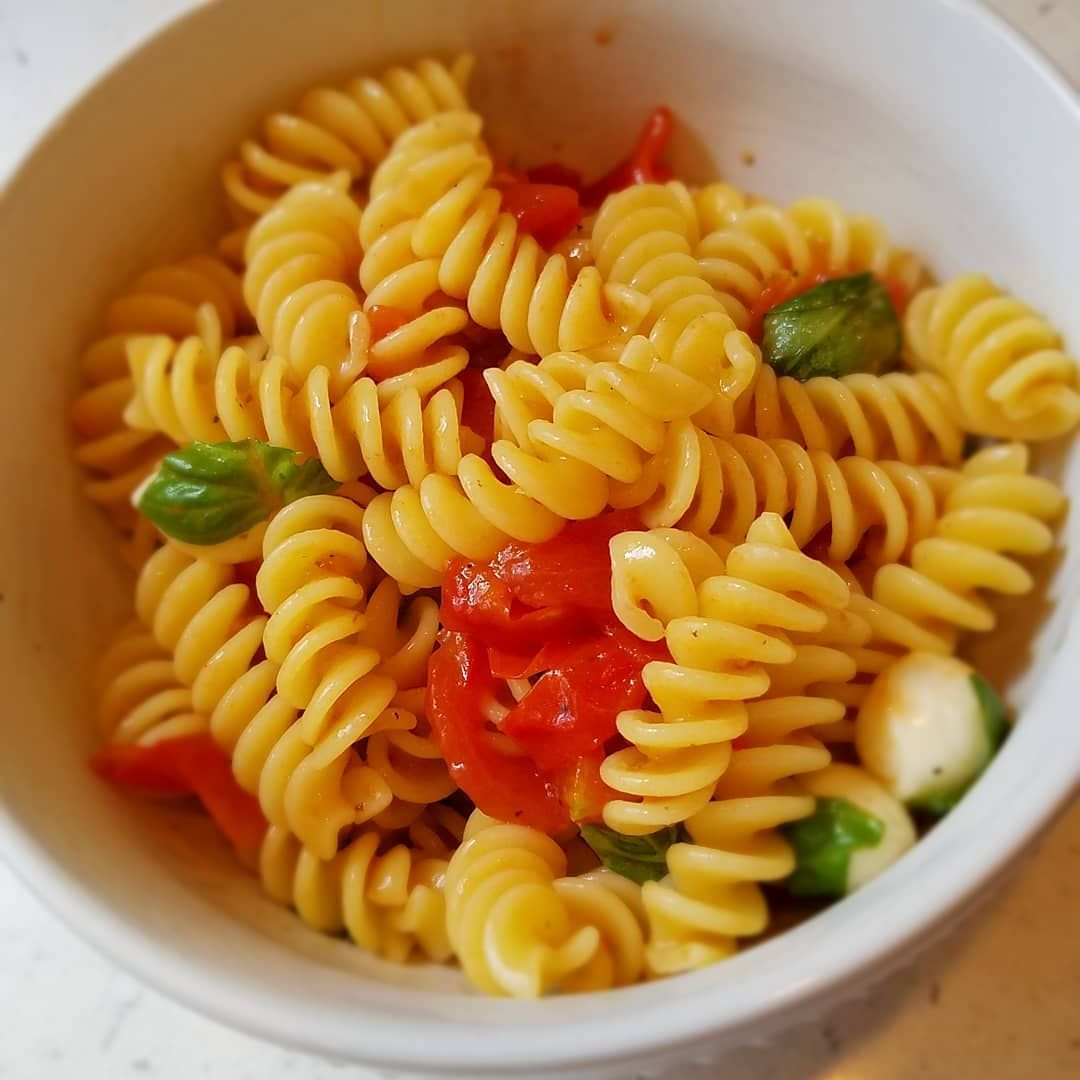 Night shift life right now....pasta in the morning. @thegiadzy @giadadelaurentiis Fusilli alla Caprese from her Giada's Kitchen cookbook. So quick and easy to make. . . #pasta #pastalover #pastadish #fusilli #fusillipasta #fusilliallacaprese #vegetarianrecipes #freshingredients #giadadelaurentiis #giada #foodphotography #foodblogger #foodpost #foodie #foodstagram #homecooking #nightshift #dinner #partnursepartchef