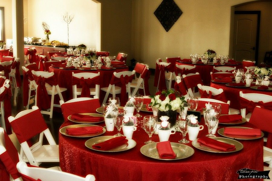 Rent red chair ties napkins or tablecloths for a winter
