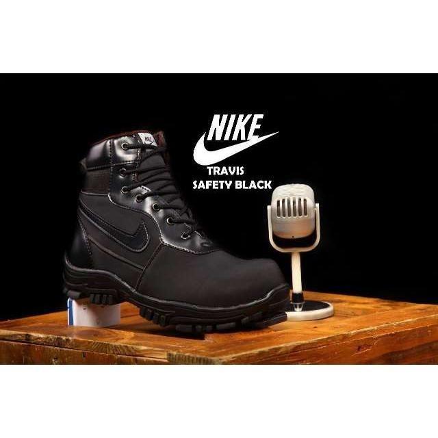 Belanja Sepatu NIKE TRAVIS   Sepatu Boots Safety   Kerja Lapangan Pria    Promo Harga Murah 072a86a0d9