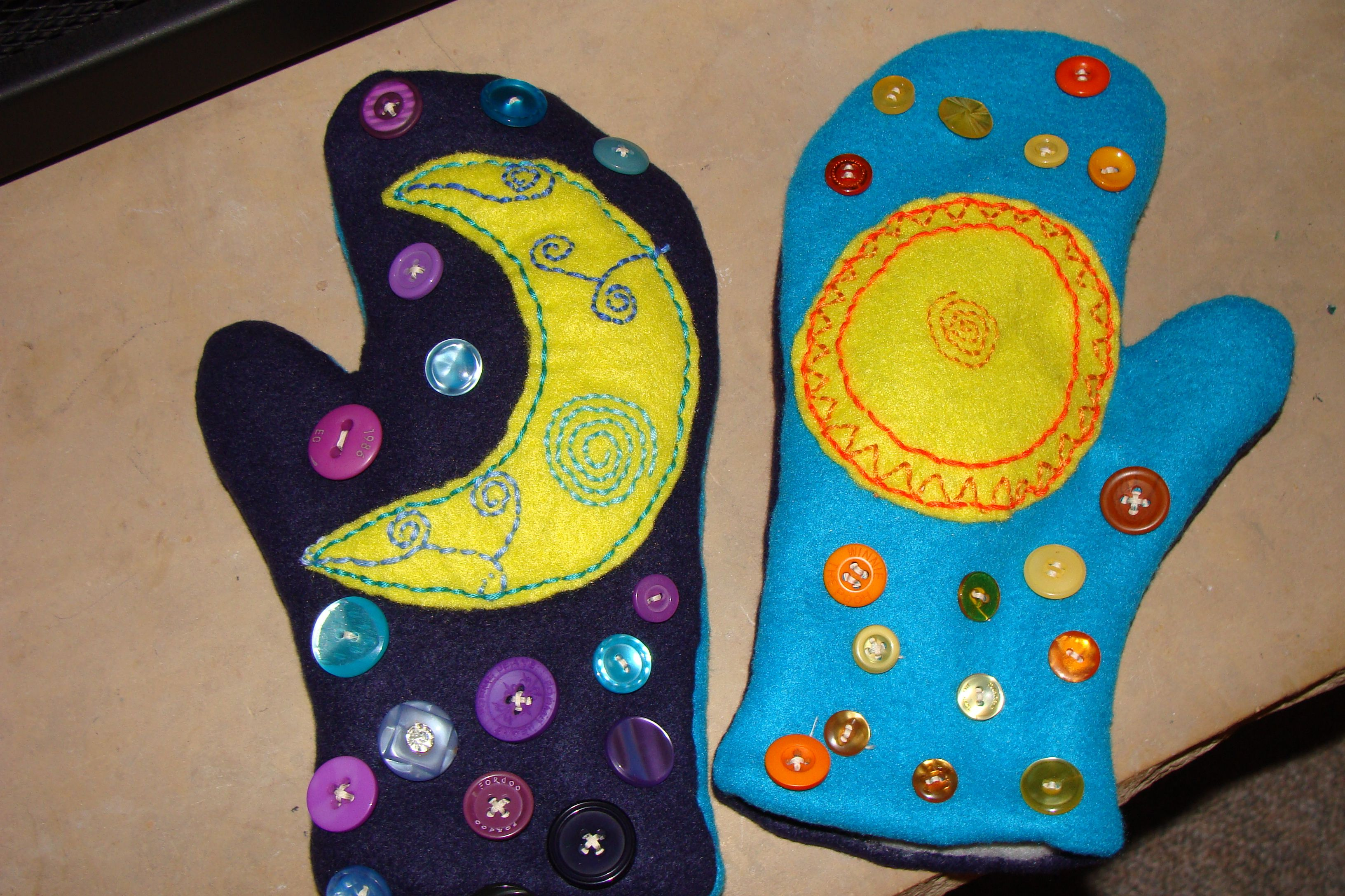 Sun and moon mittens hand made by yours truly. #sunandmoon #buttons #mittens #handmade