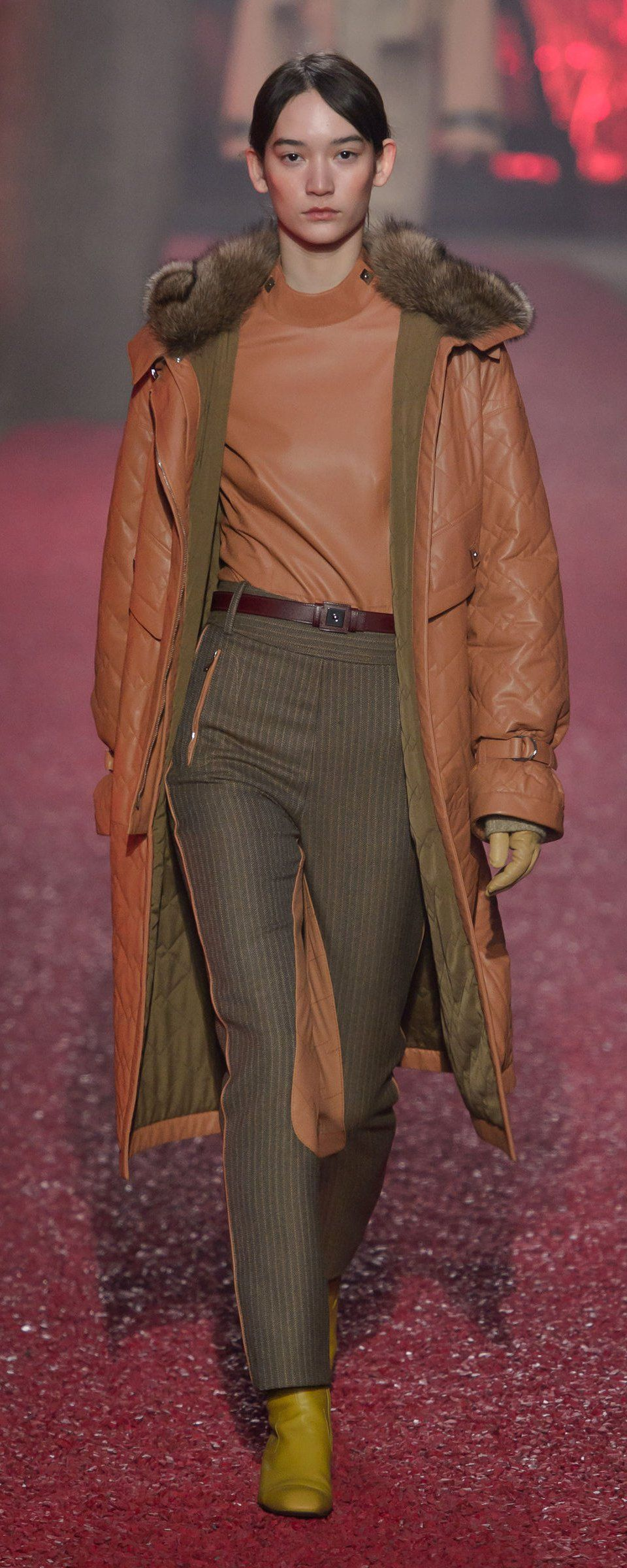 Hermes Fall-winter 2018-2019 - Ready-to-Wear   Casual   Chic   Pinterest   Fall  winter, Winter and Coats 675efaab29c
