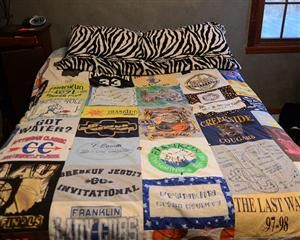How-To: T-Shirt Blanket- i'm saving my daughter's vacation/school/special t-shirts so that she can have a t-shirt blanket for college