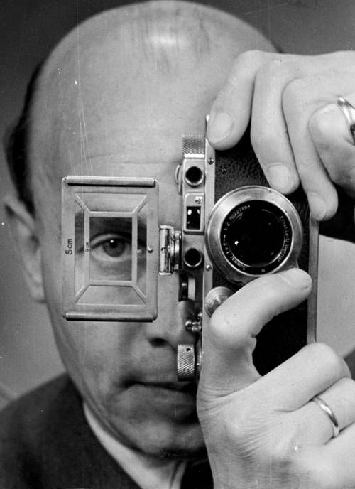 Otto Umbehr, self-portrait with Leica, 1952