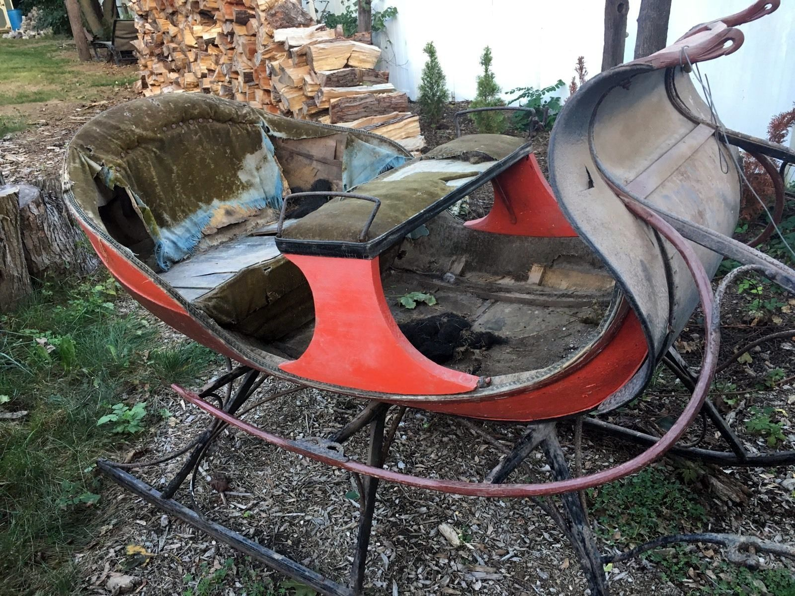 Santa's Sleigh: 1800's Albany Cutter - http://barnfinds.com/santas-sleigh-1800s-albany-cutter/