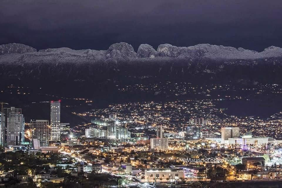 Monterrey la ciudad de las montañas  There is no place like HOME #Mty  by: @ml0pz