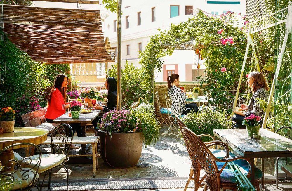 Madrid Las 5 Terrazas Que Mas Nos Gustan Kybaliondeco Com En 2020 Terrazas Bar Madrid Centro De Madrid
